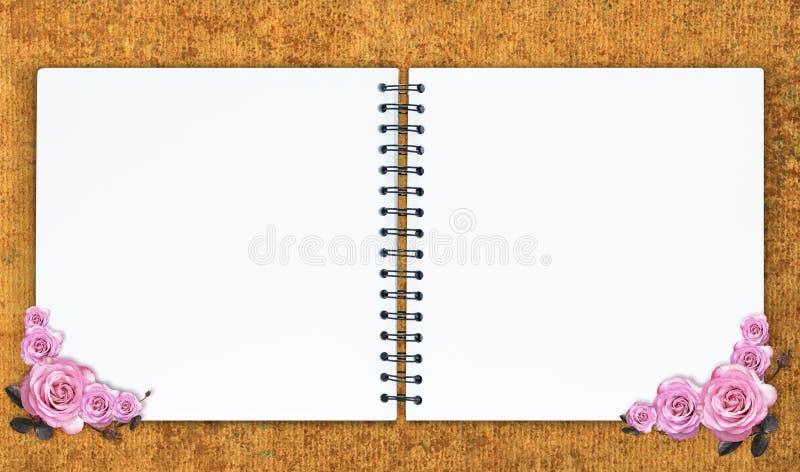 La conception vide de carnet avec la rose de rose photos libres de droits