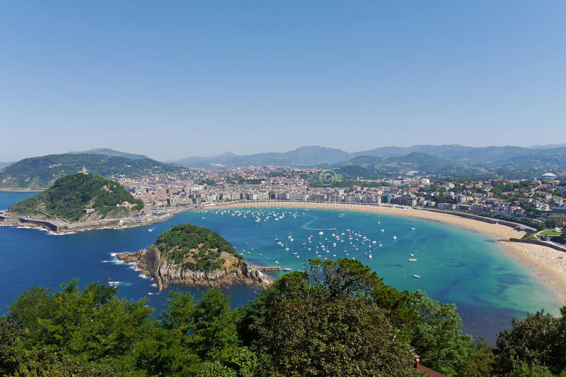 La Concha Beach från den Igeldo monteringen Donostia-San Sebastian basque land Gipuzkoa spain arkivbild