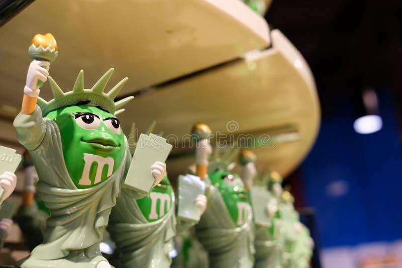 La confetteria popolare ha modellato un monumento americano, visto ad un deposito a New York City immagini stock