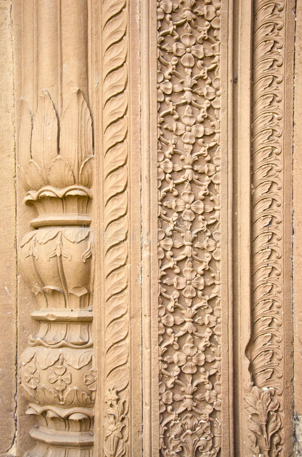 La configuración india adorna ejemplo en Varanasi, la India imagen de archivo libre de regalías