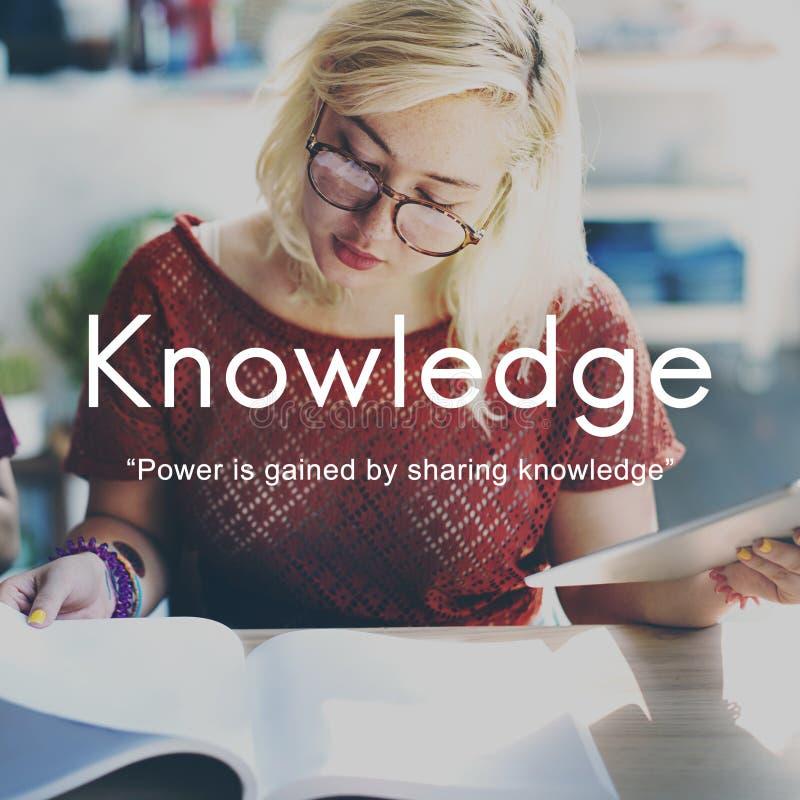 La conoscenza impara il concetto del grafico della gente di istruzione immagini stock