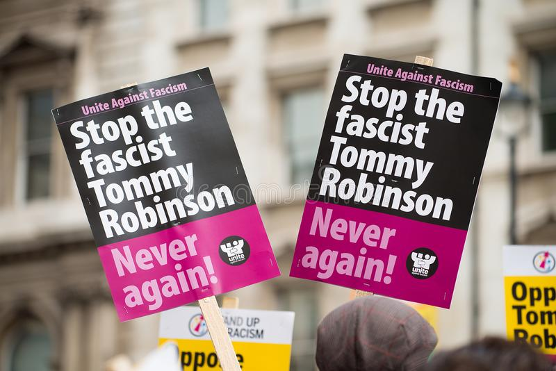 la Contador-versión parcial de programa del grupo de presión une contra fascismo en Whitehall, Londres, Reino Unido fotografía de archivo