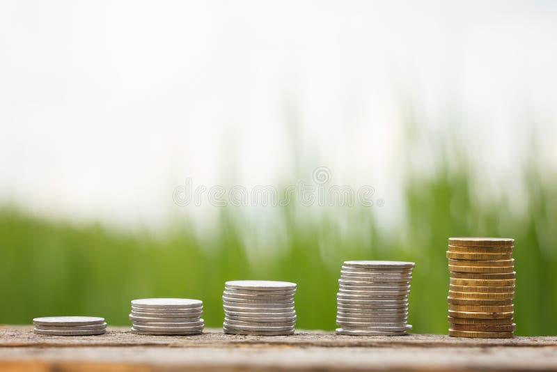La contribución del negocio de monedas foto de archivo