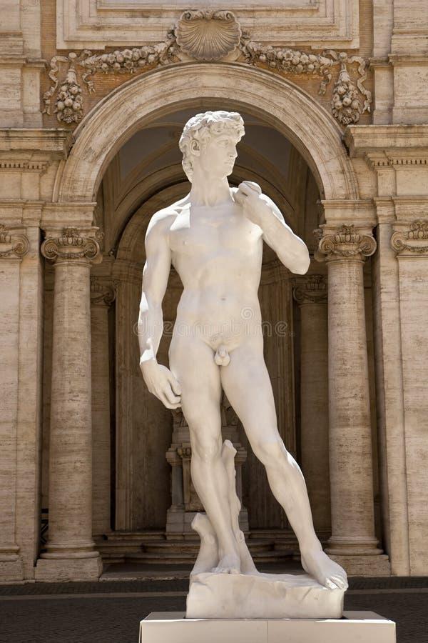 La copie d'une statue de David de Michaël Angelo dans le Capitoline photographie stock libre de droits