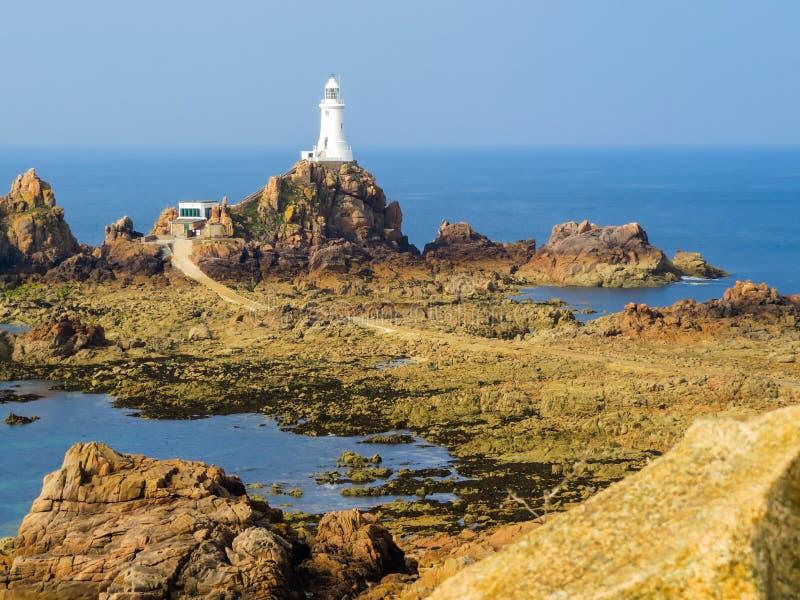 La Corbiere-Leuchtturm, Jersey, Kanal-Inseln, Großbritannien lizenzfreie stockbilder