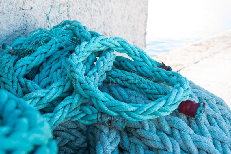 La corda blu intrecciata in mucchio immagini stock libere da diritti