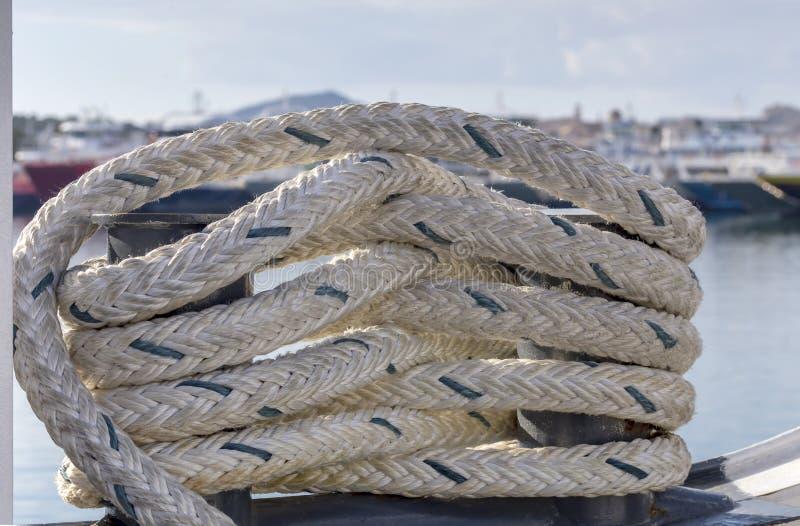 La corda di attracco sulla nave immagine stock libera da diritti