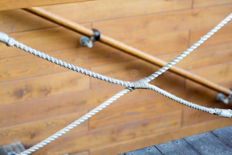 La corde décorative a noué images stock