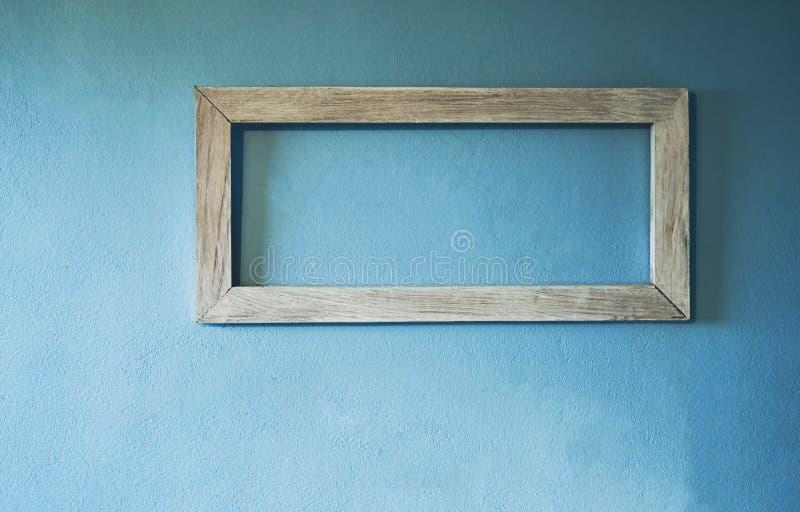 La cornice sulle pareti della casa è fatta di cemento immagini stock libere da diritti