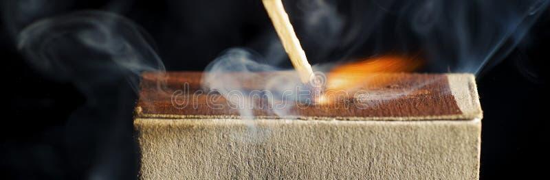 Download La corrispondenza di legno fotografia stock. Immagine di inferno - 7307384