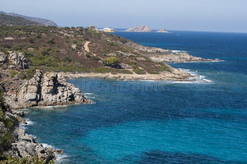 La Corsica, Cap Corse, mar Mediterraneo, traghetto, macchia, si rilassa, linea costiera, spiaggia fotografie stock