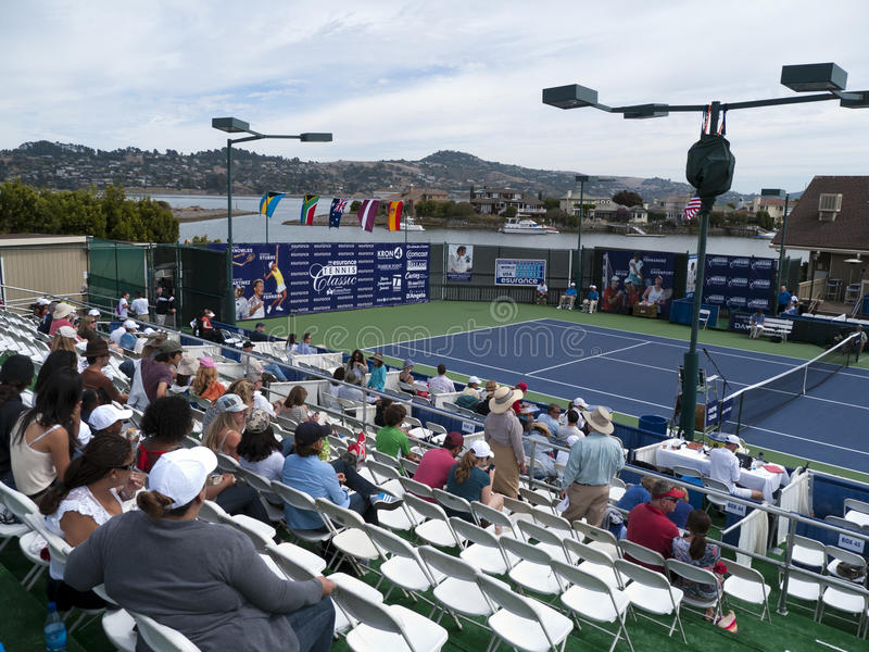 La corte principal en el club de tenis de la punta del puerto foto de archivo libre de regalías