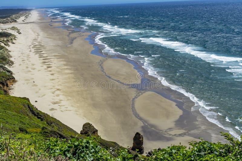 La costa costa de la playa agita el Océano Pacífico Florence Oregon fotografía de archivo libre de regalías