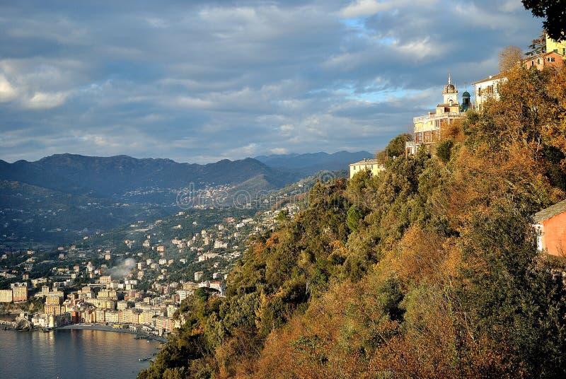La costa di Genova in un giorno soleggiato immagini stock libere da diritti