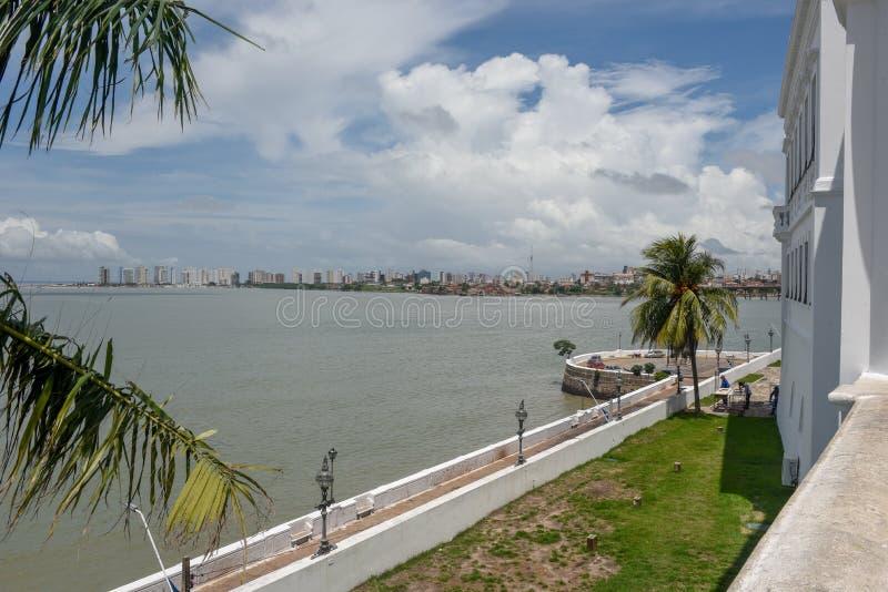 La costa a sao Luis nel Brasile immagini stock
