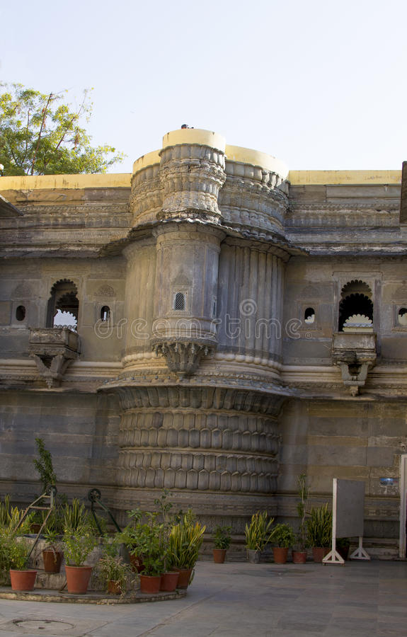 La costruzione del museo in India a Udaipur Bagore Ki Haveli fotografia stock libera da diritti