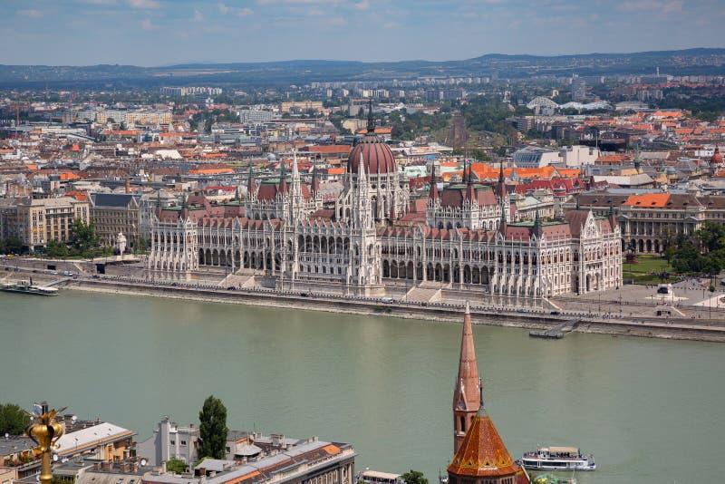 La costruzione del Parlamento di Budapest fotografia stock