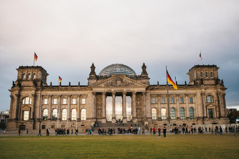 La costruzione del Reichstag è la costruzione del montaggio di stato del Bundestag L'edificio di Reichstag è uno di fotografie stock libere da diritti
