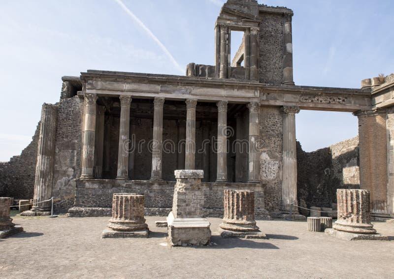 La costruzione del sedile della città rimane, Di Pompei di Scavi fotografia stock libera da diritti