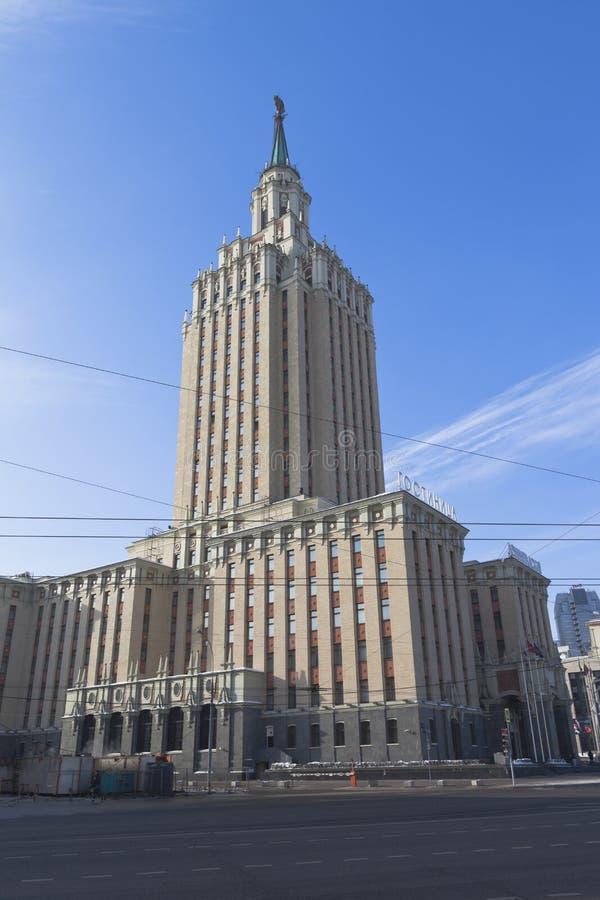 La costruzione dell'hotel di Leningradskaya a Mosca fotografia stock libera da diritti