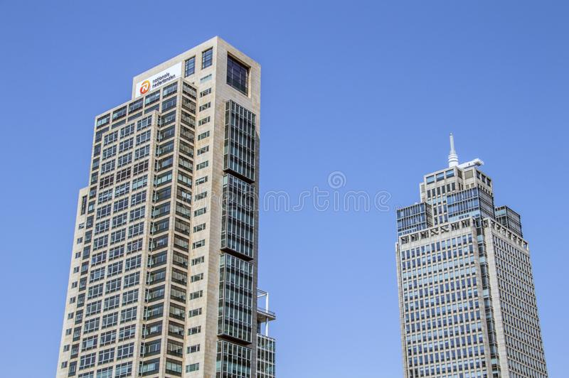 La costruzione di ING o la torre di Rembrandt e la torre di Mondrian a Amsterdam il 2018 olandese fotografia stock libera da diritti