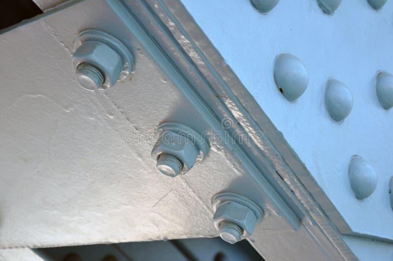La costruzione di ponte d'acciaio della trave, ha rivettato unito Fondo immagine stock