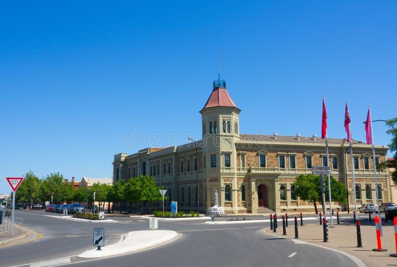 La costruzione storica di municipio di Enfield situato a porto Adelaide fotografia stock