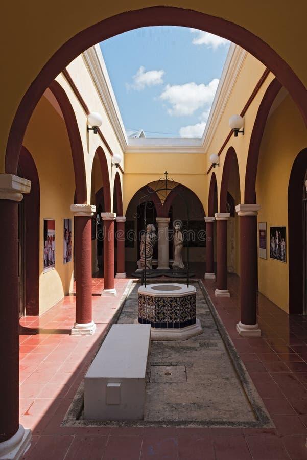 La cour de la maison San pablo, mercado del arte, Campeche, Mexique images libres de droits
