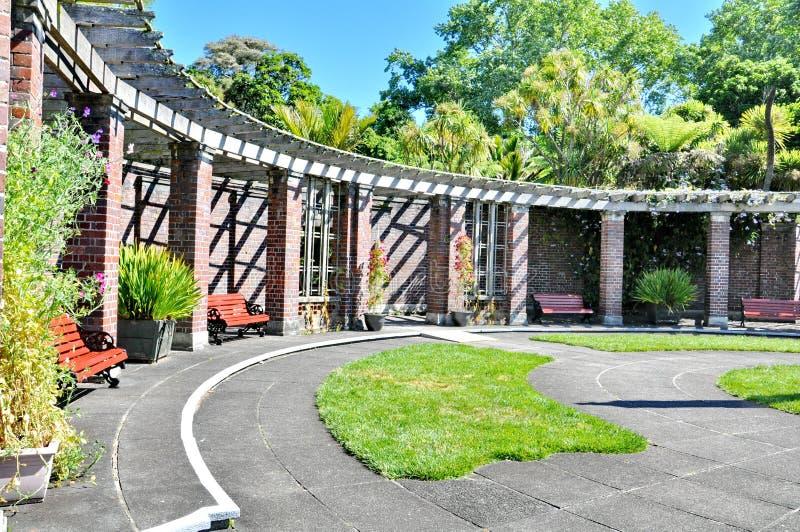 La cour formelle au jardin d'hiver de domaine d'Auckland images libres de droits