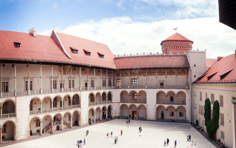 La cour intérieure du château de Wawel à Cracovie photographie stock libre de droits