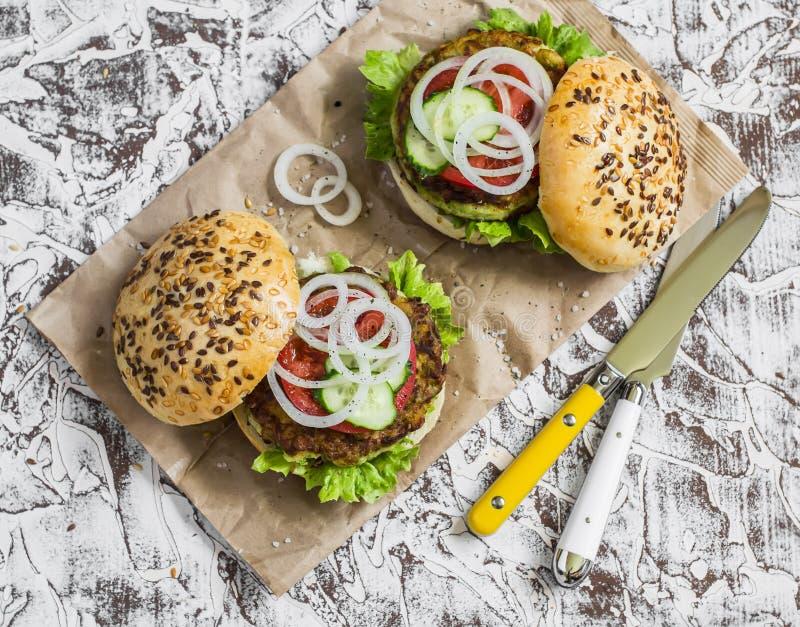 La courgette végétarienne saine gaspille des hamburgers photo stock