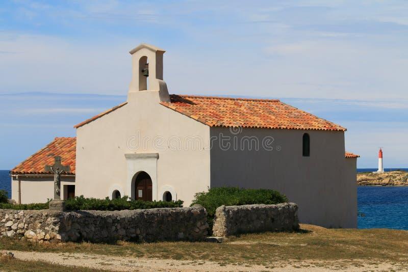 La Couronne, il Mediterraneo, Francia di Chapelle de Sainte Croix à immagine stock libera da diritti