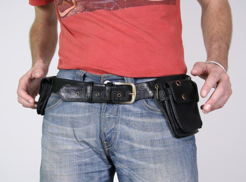 La courroie mâle met en sac des poches photographie stock libre de droits