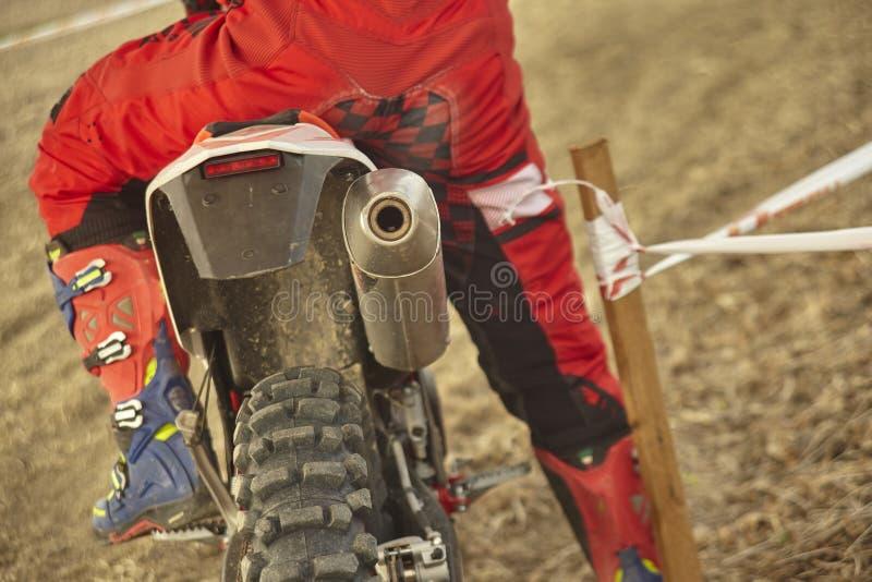 La course de motocross est sur le point de commencer photographie stock