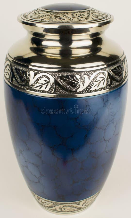 La cremazione incenerisce l'urna funerea fotografie stock libere da diritti
