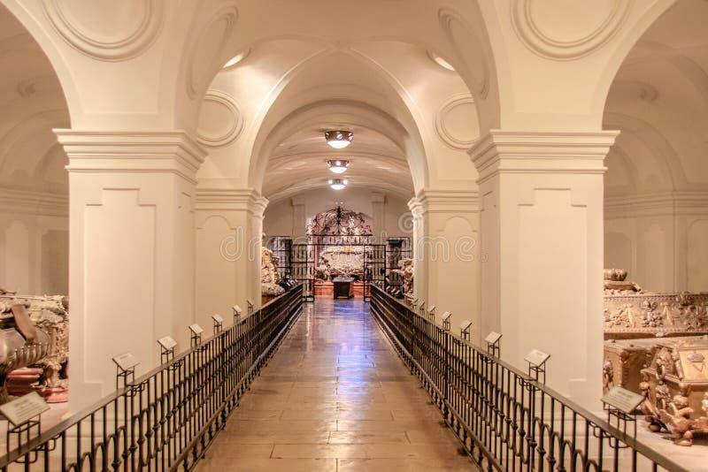 La cripta imperial en el nuevo mercado en Viena Austria fotografía de archivo