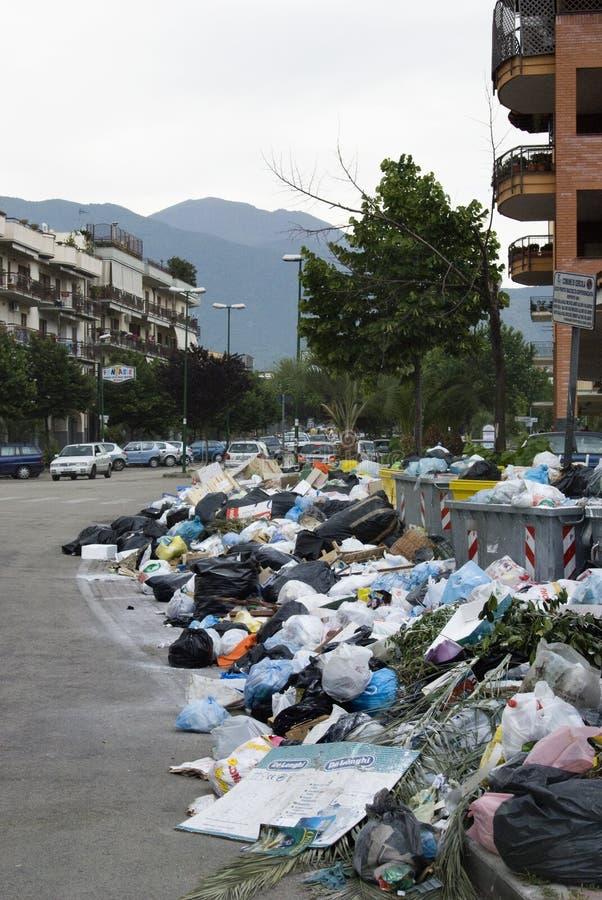 La crisis de los desperdicios en Nápoles imagen de archivo