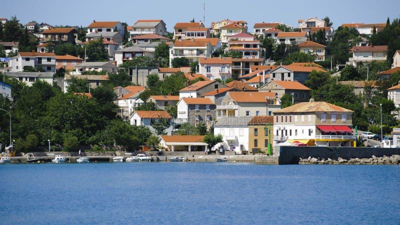 La Croazia, Kvarner, isola di Krk, città del silo fotografie stock libere da diritti