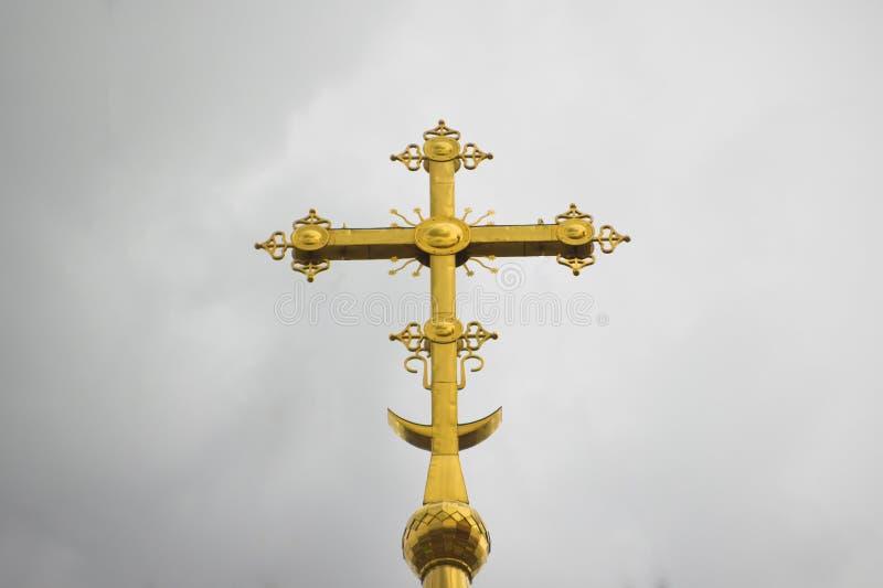 La croix orthodoxe d'or images libres de droits