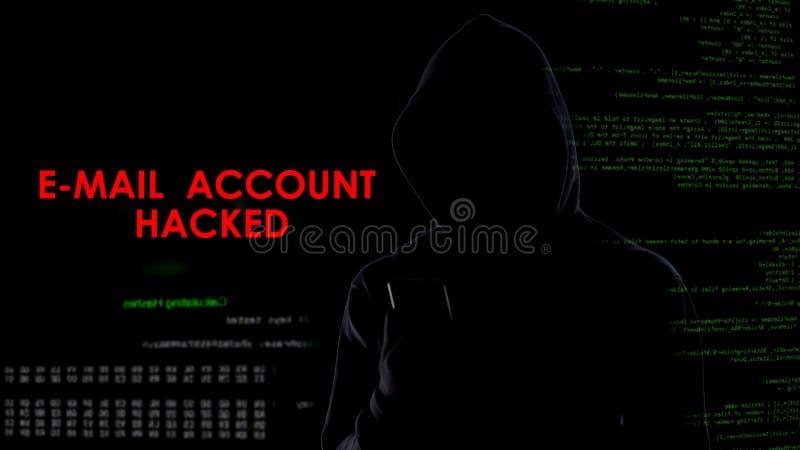 La cuenta de correo electrónico cortó, información secreta que buscaba criminal sobre smartphone fotos de archivo libres de regalías
