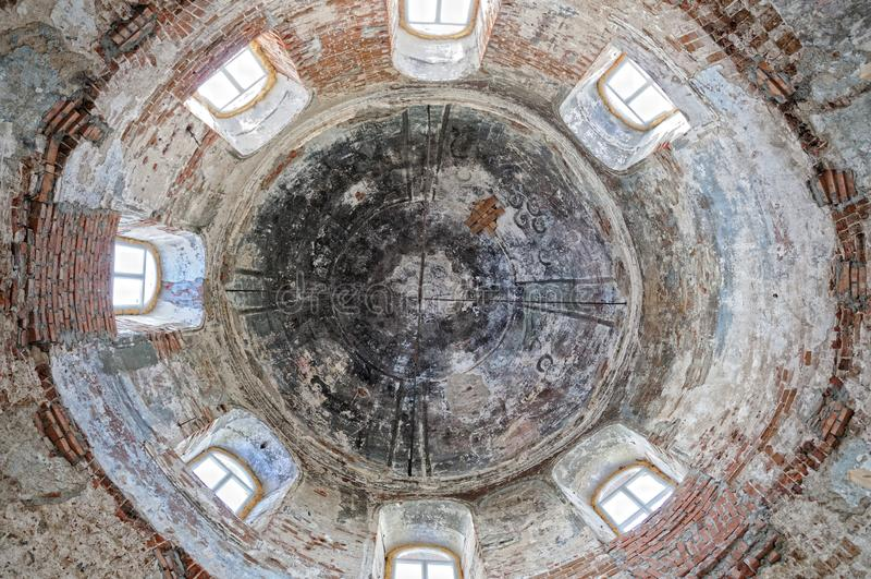 La cupola dell'interno della chiesa ortodossa fotografia stock