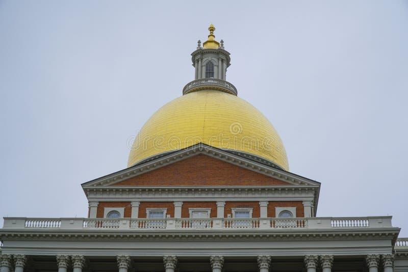 La cupola della Camera dello stato di Massachusetts a Boston - BOSTON, MASSACHUSETTS - 3 aprile 2017 immagine stock
