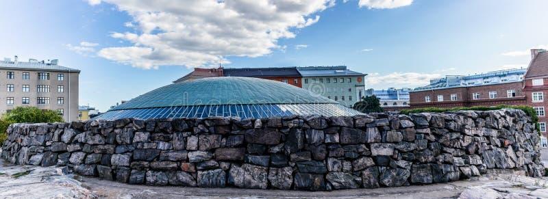 La cupola della chiesa nella roccia a Helsinki - 1 fotografia stock libera da diritti
