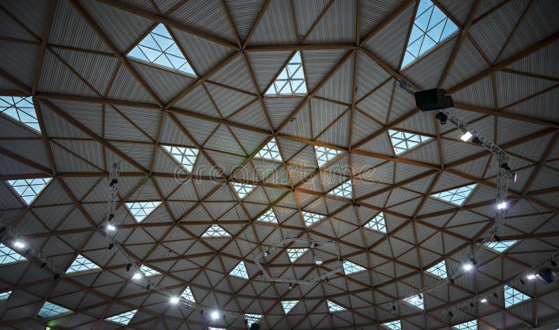 La cupola unica legna e di vetro di ghiaccio parcheggia in Eilat fotografia stock