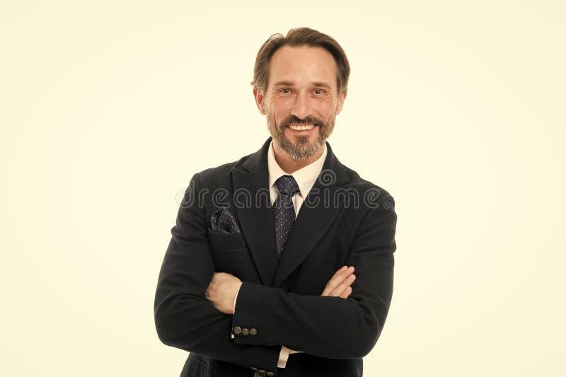La custodia de los brazos cruz? Hombre mayor con el pelo gris de la barba Hombre de negocios maduro en desgaste formal Hombre mad fotografía de archivo libre de regalías