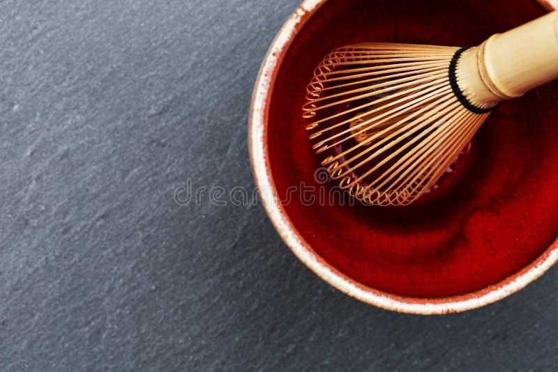 La cuvette de céramique et chasen image stock