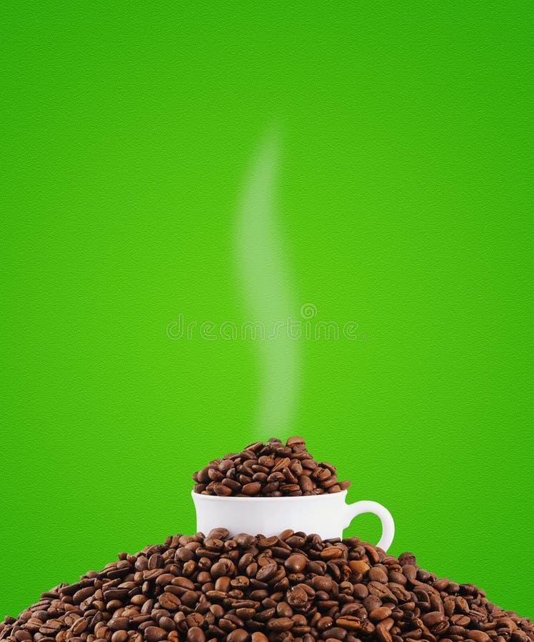 La cuvette de grains de café photo stock