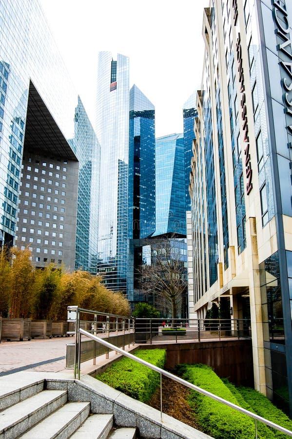 La Défense现代大厦在巴黎 库存照片