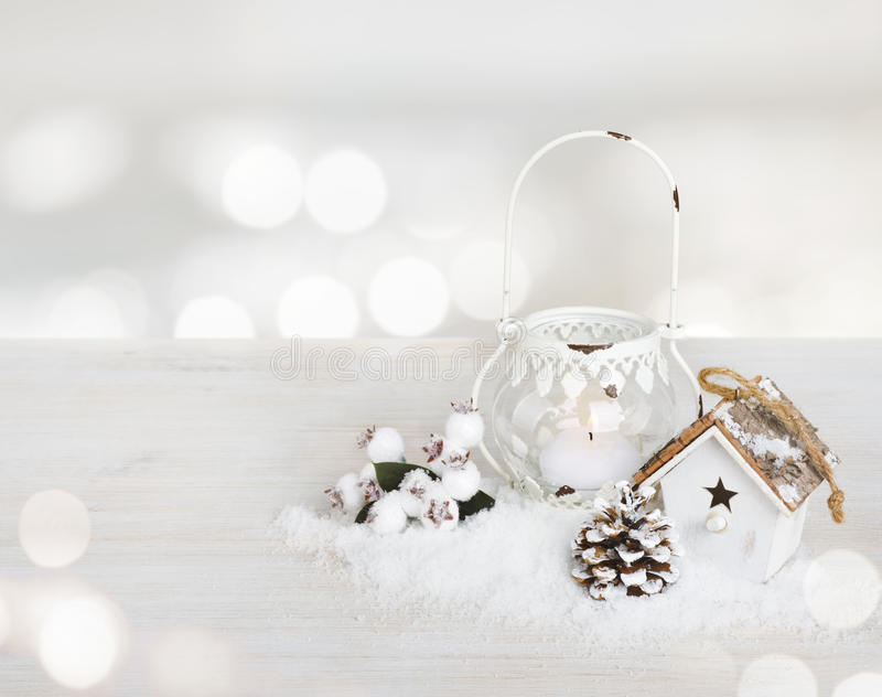 La décoration de Noël sur la table en bois au-dessus du résumé allume le fond images libres de droits