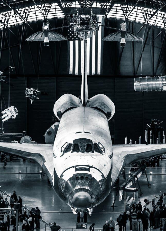 La découverte de navette spatiale au centre Udvar-flou de musée d'air et d'espace de Smithsonien photographie stock